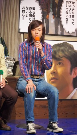 中村倫也、ジャケット肩掛け女子に「ちゃんと着なさい!」