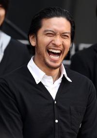 """「最初はレーサーだって聞いていた」婚約発表の浜崎あゆみ 親族・側近もあきれる""""軽はずみ愛"""""""