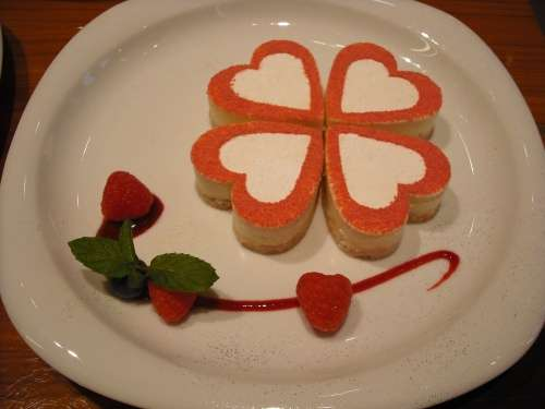 毎月22日はショートケーキの日!なので、美味しそうなケーキの画像ください!