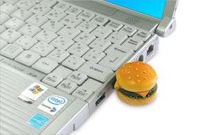 5段タワーバーガーの実物大USB、ロッテリアがプレゼントキャンペーン