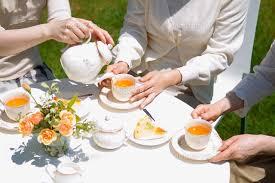お茶にしませんか?