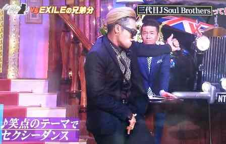 三代目JSB岩田剛典、筋肉美ショット披露に「腹筋バッキバキ!」とファン歓喜