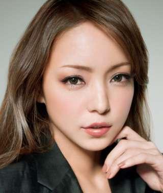 【画像】女性アイドルの美しいメイク顔を貼るトピ