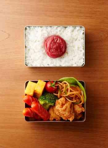 お弁当箱の写真ください
