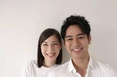アンジャ渡部建、結婚正式発表!「佐々木希さんと結婚いたします」「行列」で生報告