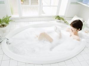 夫の実家で湯船につかりますか?