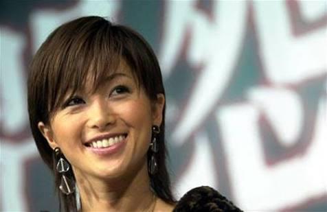 酒井法子、中国人気健在 国内のみの舞台取材に台湾メディア来場「マンモスうれピー」