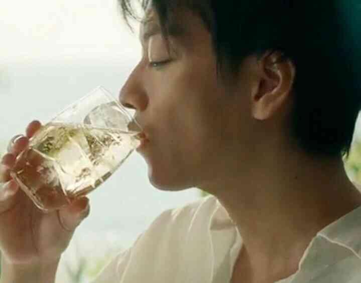 お酒のCMで好きなのは?