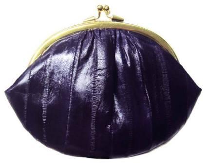 主婦の方、いくらくらいの財布を何年くらい使いますか?