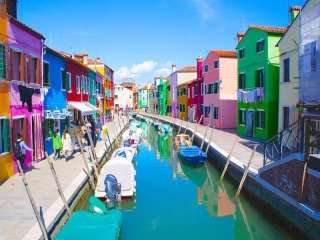 パックでないイタリア旅行へ行くときのお薦めの場所や食べ物を教えて下さい