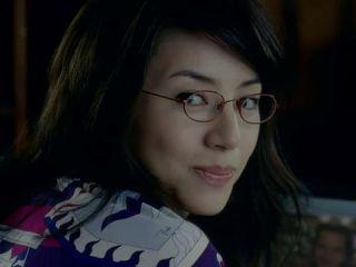 メガネが似合う人の特徴は?