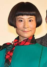 主役から脇役にシフトして成功した俳優女優