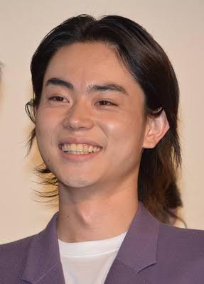 菅田将暉 誕生日に大阪でライブ「四捨五入したらアラサーです」
