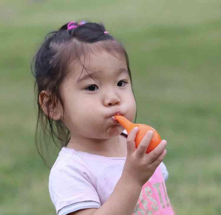 【GirlsAward】木下優樹菜&茉叶菜ちゃん、母娘ランウェイで投げキッス