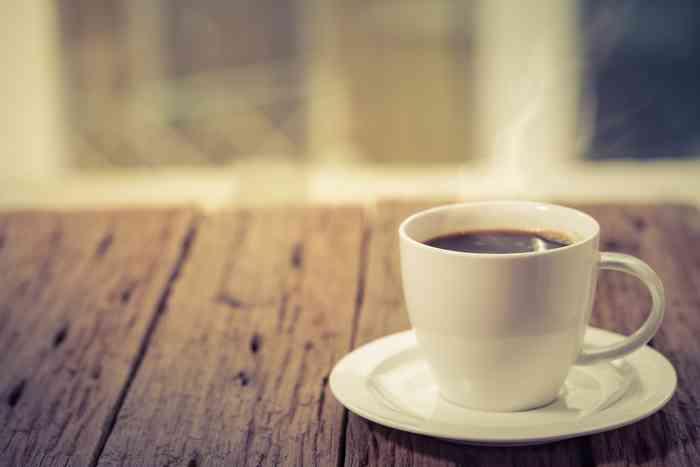 朝起きて一番に飲む飲み物は何ですか?