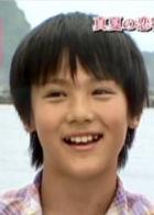 中川大志、長髪メガネの細かすぎる「細杉君」に auの新CMに出演