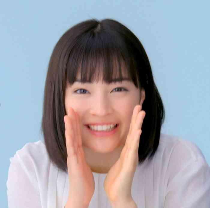有村架純、松岡茉優らがありのままの「すっぴん素肌」を披露