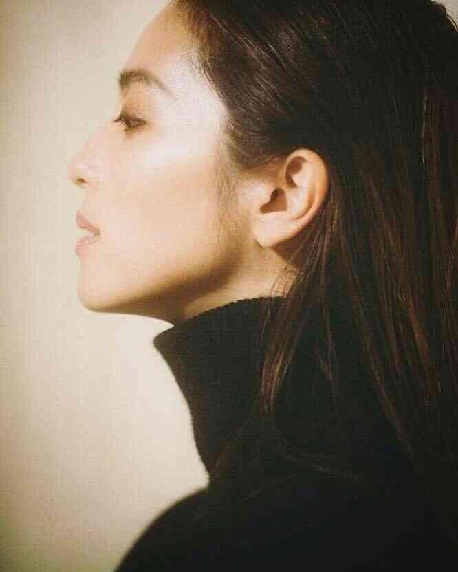 中村アンの美しすぎる横顔ショット 「耳の穴」に注目集まる