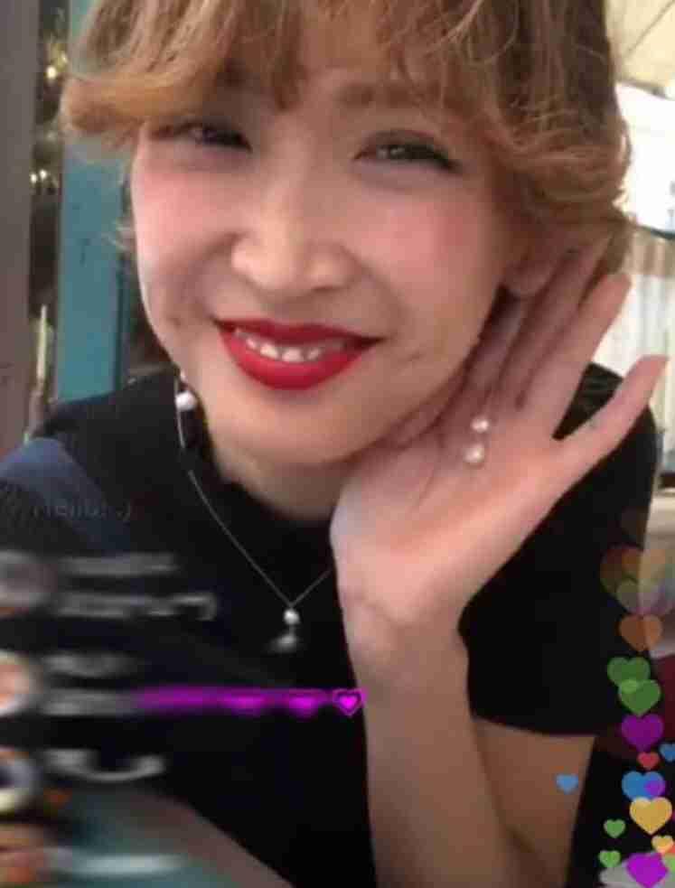 紗栄子、地元・宮崎でのコーデ写真が話題騒然「田舎なのに…」