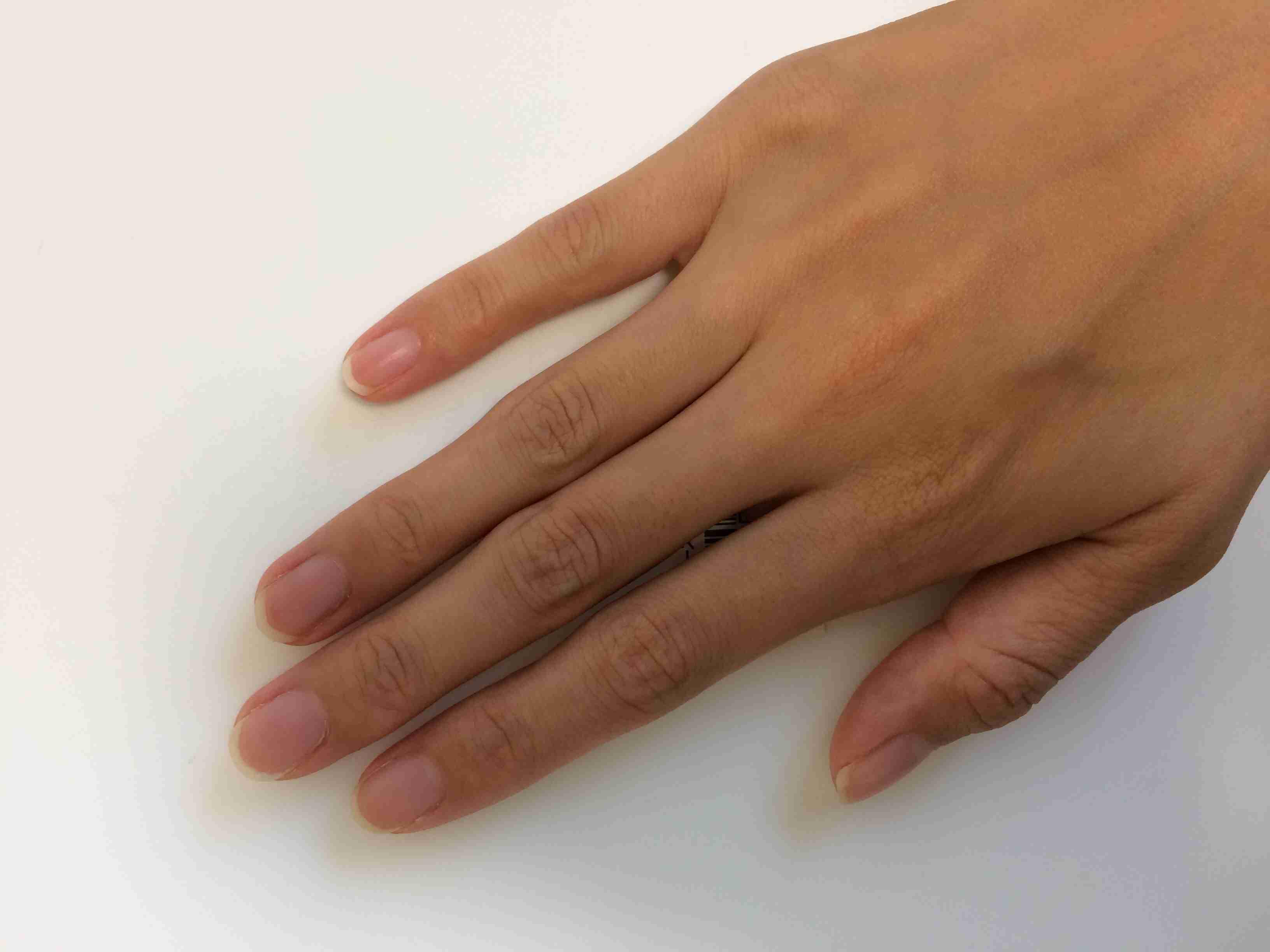 理想の爪の形