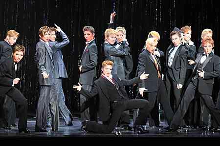 登美丘高校ダンス部が2連覇達成、今年のテーマは「天から舞い降りた色男」