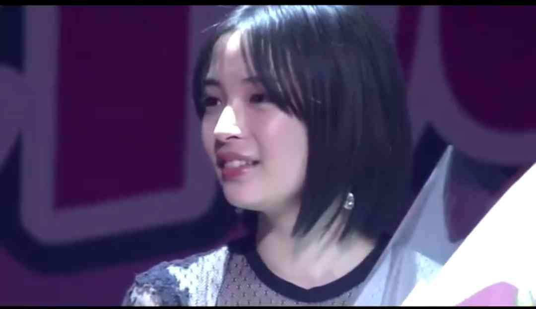 新田真剣佑、サプライズ登場に会場どよめき! 広瀬すず卒業式に駆けつける