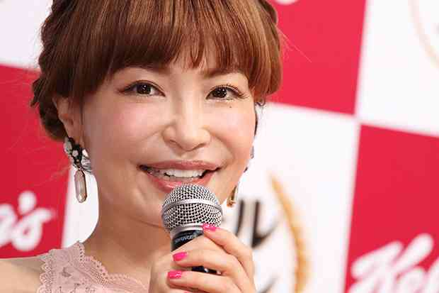 平子理沙、すっぴん公開も…「すっぴん?」「ノーメイクに見えない」