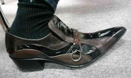 ダサい靴選手権