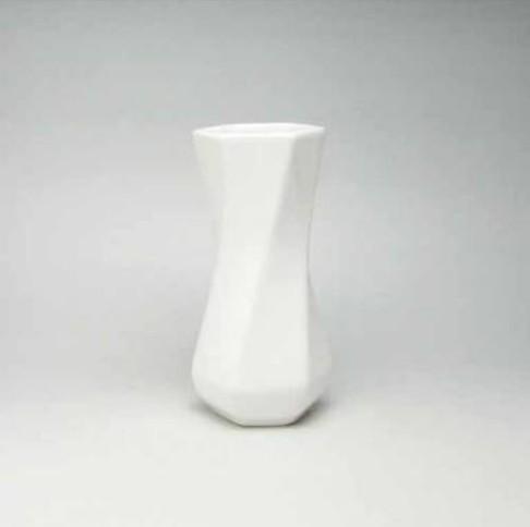どんな花瓶が好きですか?