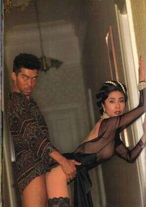 浜崎あゆみのセクシーな上目づかいにファン歓喜 「かわいすぎる」「いい感じ」