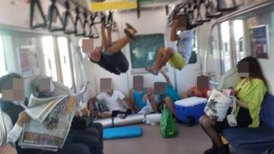 電車でイラつく人!