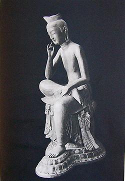 仏像を愛でるトピ