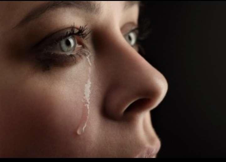 些細なことで泣く人いますか?