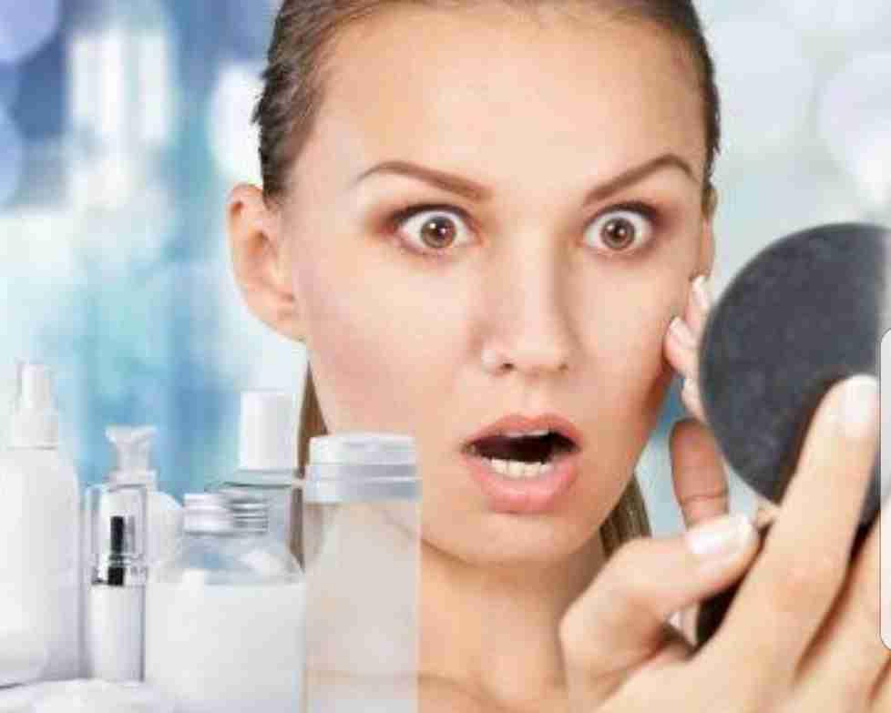 皆さんの化粧直しを教えてください。