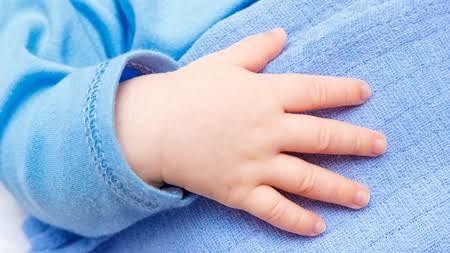 手の爪が小さい人!