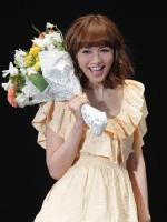 タレントの優木まおみ、3歳年上のカリスマ美容師と6月に結婚すると発表