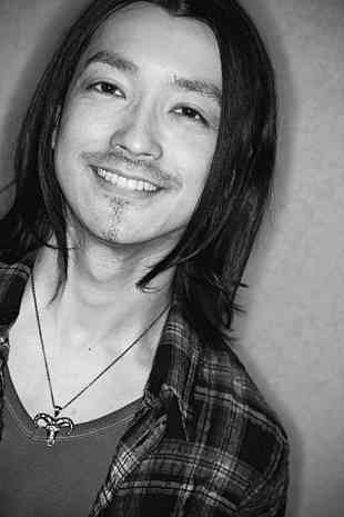 男装した大島優子が完全に男にしか見えない