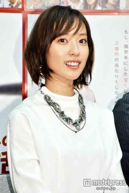 ショートヘアにした戸田恵梨香さんをご覧ください