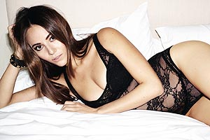 Jessica Michibata gallery: F1 babe in picture special for Esquire | The Sun |Sport|Motorsport|F1