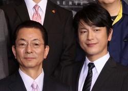 及川光博:「ごぶさたしております」水谷豊とひさびさ2ショット- 毎日jp(毎日新聞)