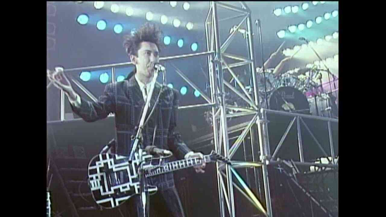 BOOWY LAST GIGS COMPLETE 01 B.BLUE - YouTube