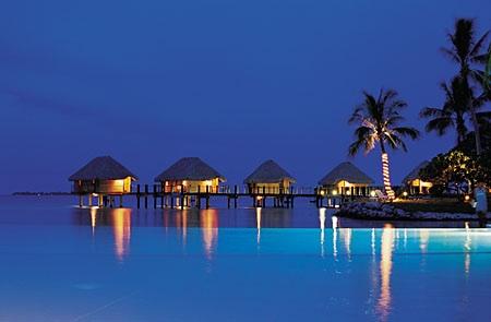 好きな人と好きな所へ旅行するなら誰とどこへ行きたいですか?