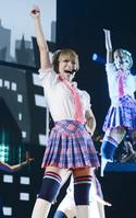 浜崎あゆみ 15周年ツアー最終日に涙 (東スポWeb) - Yahoo!ニュース