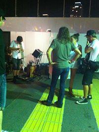 Aerosmithのスティーブン・タイラー、今度は梅田の路上ライブに出現ww