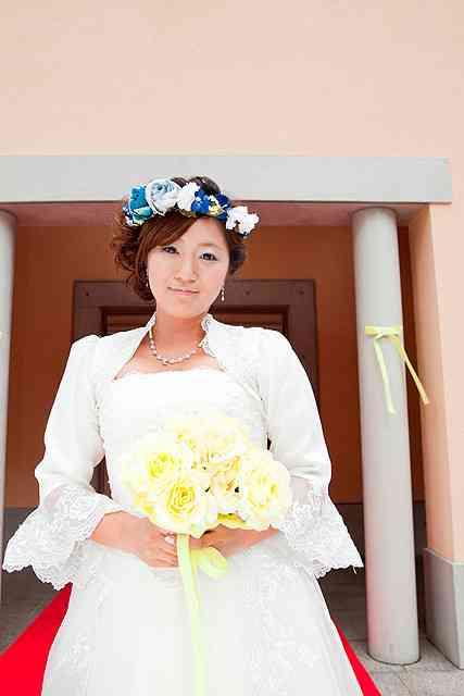 美奈子、自叙伝映画化「ハダカの美奈子」でウェディングドレス姿を披露。ビッグダディ役は香里奈の姉の夫・重松隆志