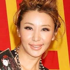 鈴木紗理奈が「めちゃイケ」で離婚届提出!夫・TELA-Cも登場し経緯説明