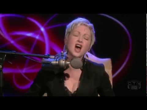 Cyndi Lauper - True Colors ( Live Acoustic ) - YouTube