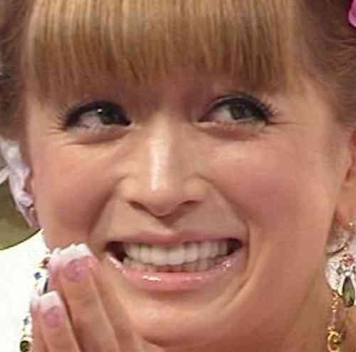 """浜崎あゆみが『ViVi』表紙で""""少女テイスト""""に挑戦も「いったい誰なんだ!?」の声"""