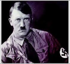 「ヒトラーそっくりな口ひげ模様があるから」という理由で虐待を受けた猫。左目を失う瀕死の重傷