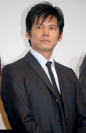 織田裕二、交通事故で負傷 バイク運転中にタクシーと接触